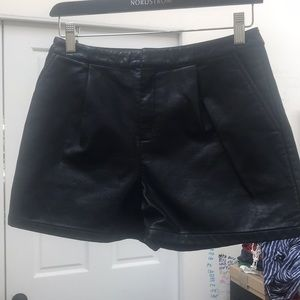 Pleather dolce vita black shorts